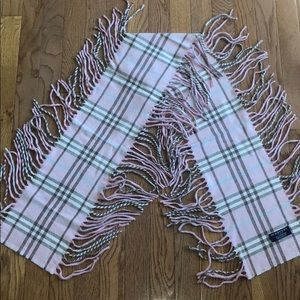 Burberry Cashmere Fringe Scarf in Pink